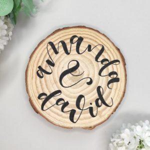 rodaja de madera con nombres Boda